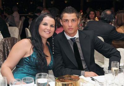 Messi, sa femme, Cristiano Ronaldo et Neymar: L' histoire derrière LA photo du